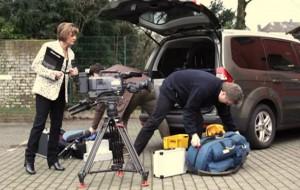 Kamerateam bereitet Filmtechnik vor